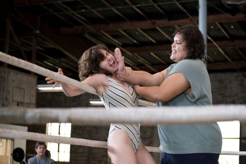 alison-brie-glow-season-1-promo-photos-7